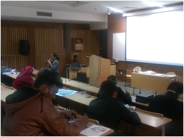 Dr. Radhika Vakharia conducting the workshop on Know Thyself at IIT Delhi
