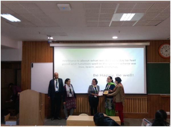 Dr. Radhika Vakharia being felicitated for her outstanding contribution in Research for Educators