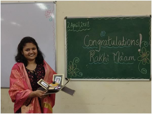 A token of appreciation from F.Y.B.Ed Students for Dr. Rakhi